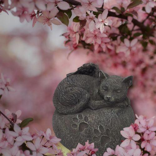 Tierurne Katzenurne Katze auf Stein in Herzform
